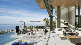 BOMA HOUSE IN BANTRY BAY